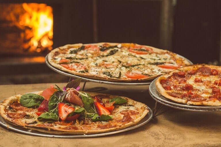 3 recetas de pizzas con base de pollo saludables y fáciles de hace