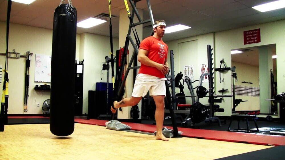 ejercicios con TRX para fortalecer los glúteos
