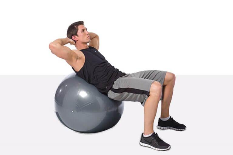 10 ejercicios con fitball para tonificar todo tu cuerpo de forma sencilla