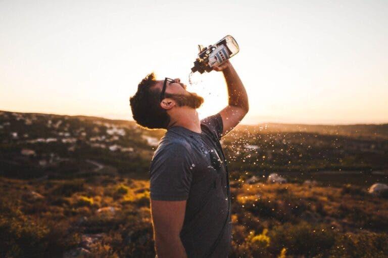 Los 9 mejores filtros de agua portátiles para tus salidas