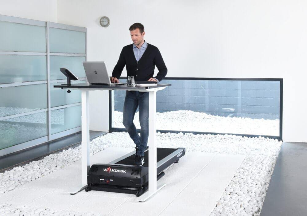 Las cintas de correr bajo escritorio son muy útiles para la movilidad