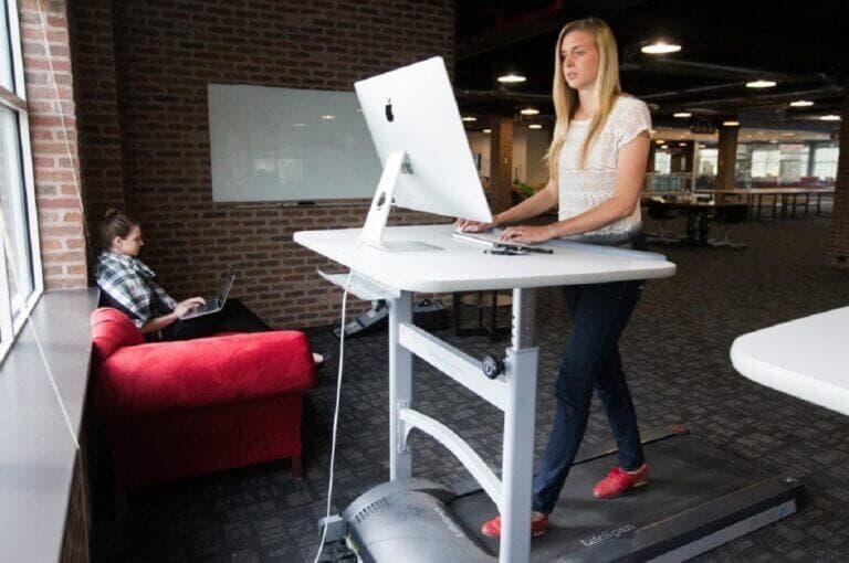 3 cintas de correr para escritorio elevable que puedes usar mientras trabajas