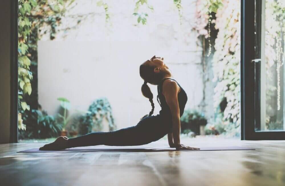 Las posturas de yoga que mejoran la circulación