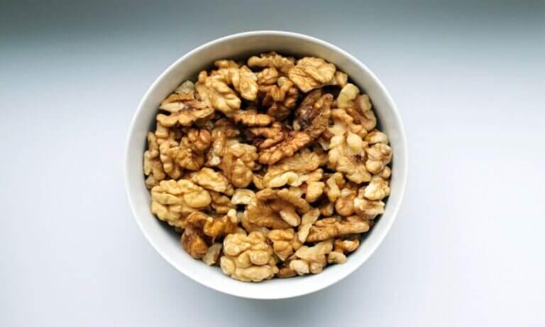 beneficios aportan nueces incluyes dieta