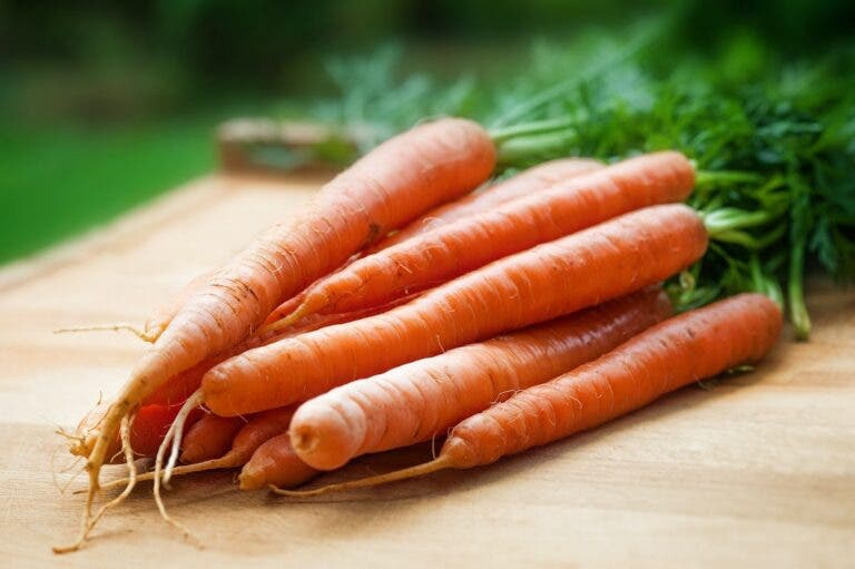 Todos los beneficios de cosumir zanahoria en tu dieta diaria