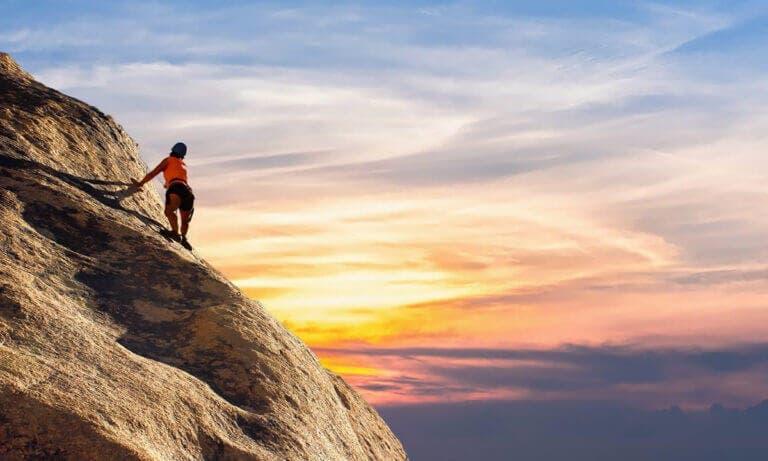 Ejercicios para mejorar el agarre en escalada y obtener resultados satisfactorios