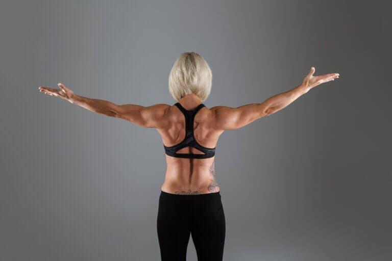 fortalece el cuello y la espalda alta