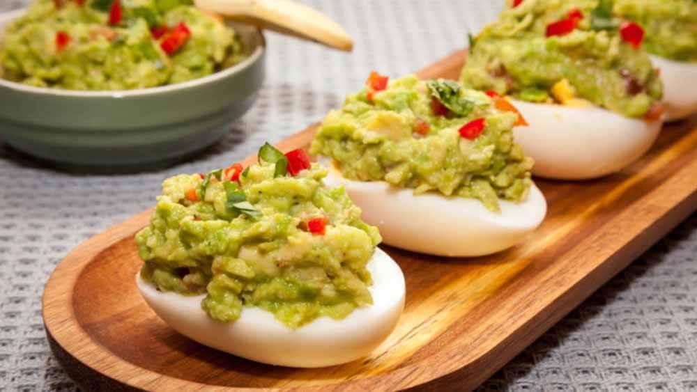 Huevos rellenos de guacamole receta