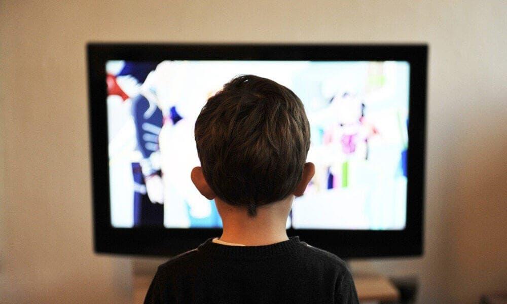 Efectos de ver televisión durante varias sobre la salud