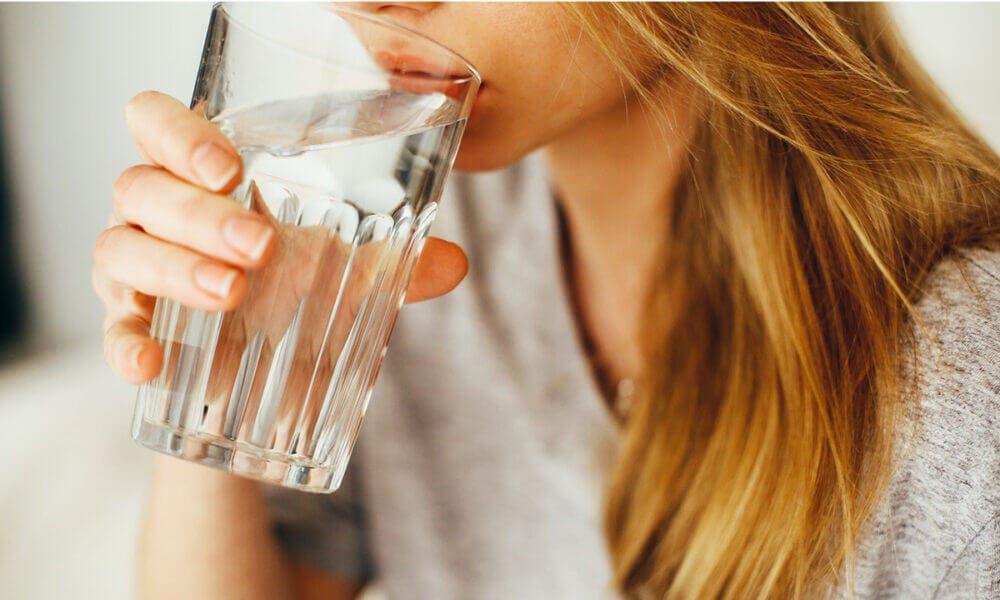 Importancia de beber agua frecuentemente