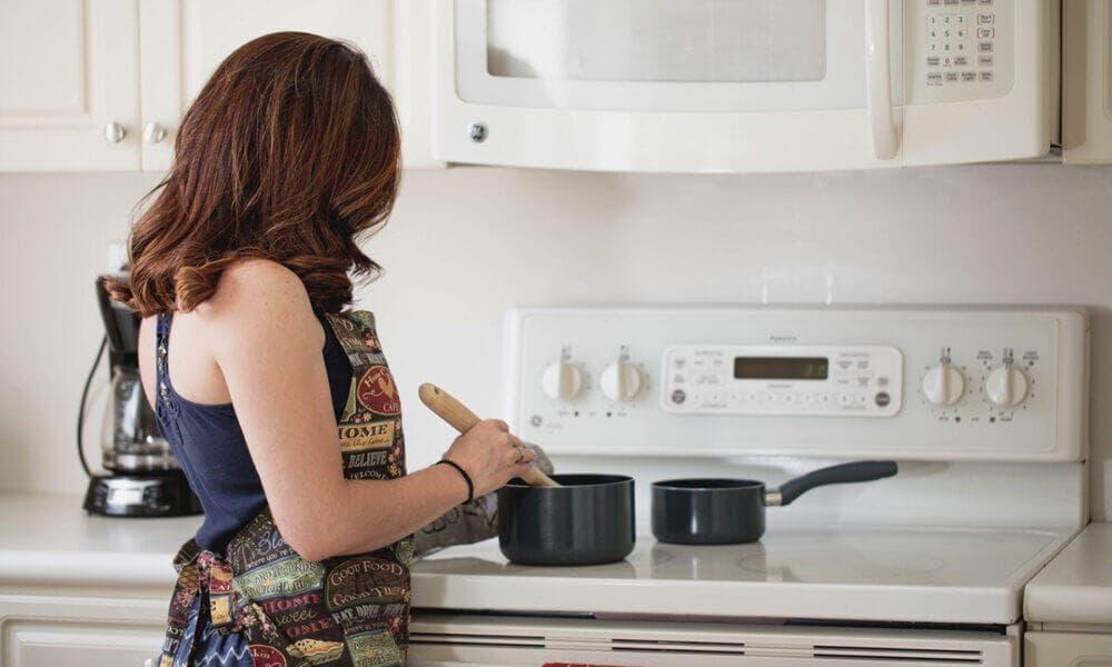 Cocinar tus alimentos puede ayudarte a tener un mayor control de tus comidas