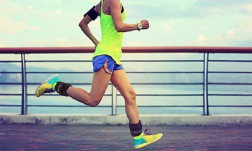 Caminar con pesas ayuda a bajar de peso
