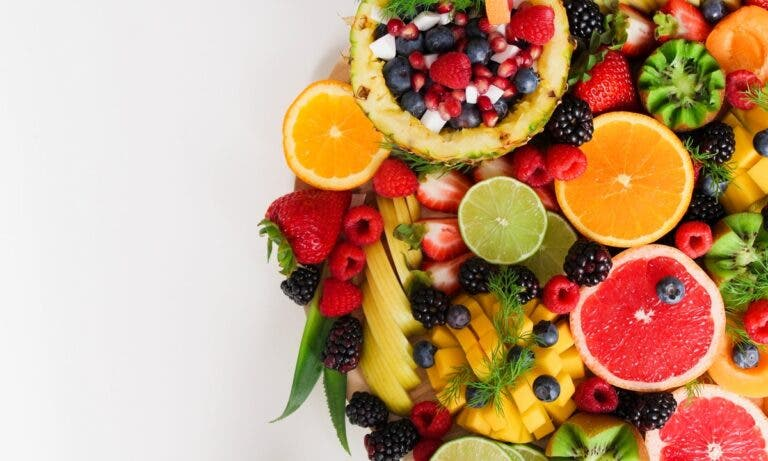 frutas tropicales que más beneficios aportan al organismo