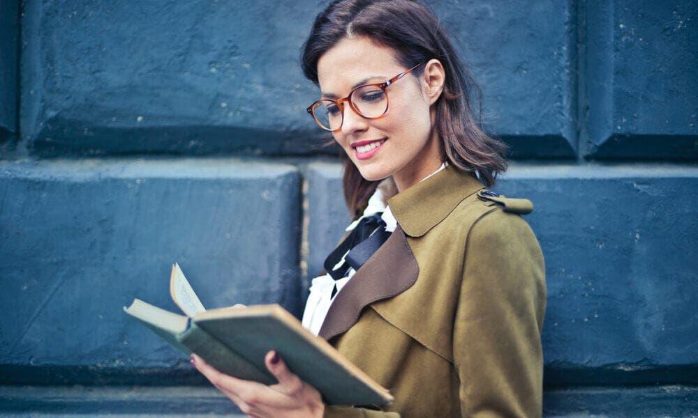 Leer libros de tu interés puede ayudarte a mejorar tu estado de ánimo y tu capacidad cognitiva