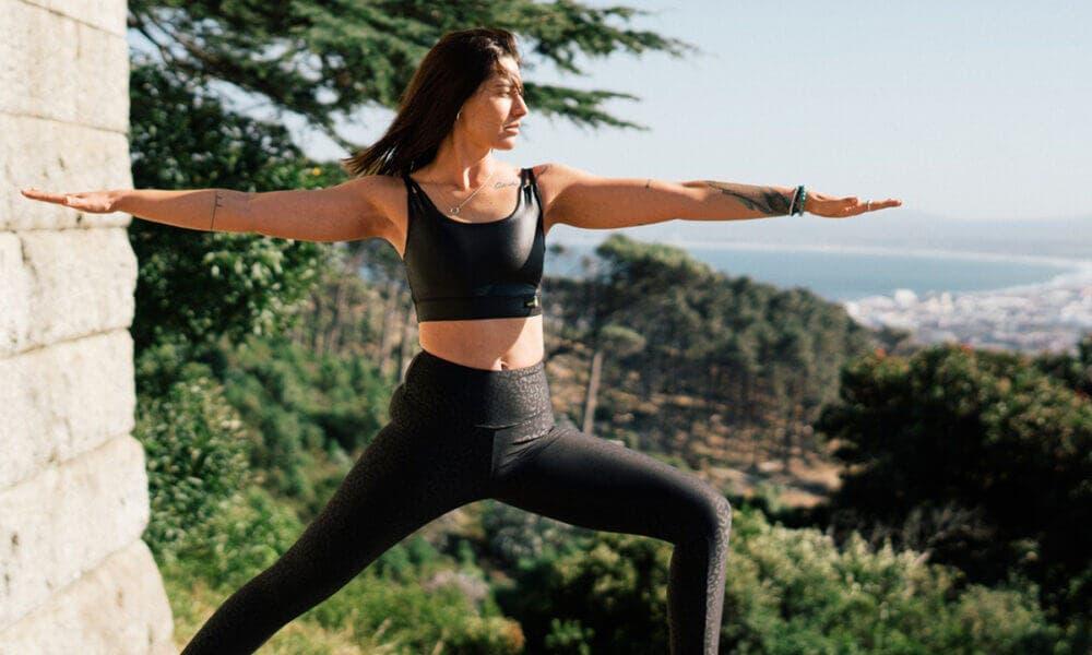 Practicar yoga, uno de los consejos para estar saludable internamente más comunes