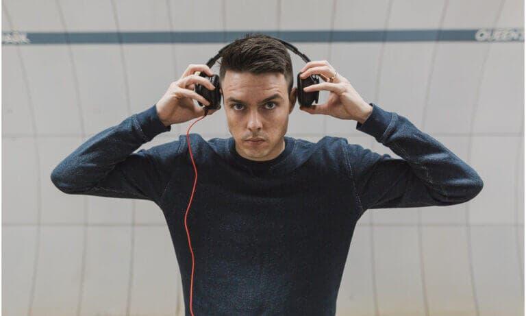 Beneficios de utilizar los mejores auriculares de diadema para entrenar