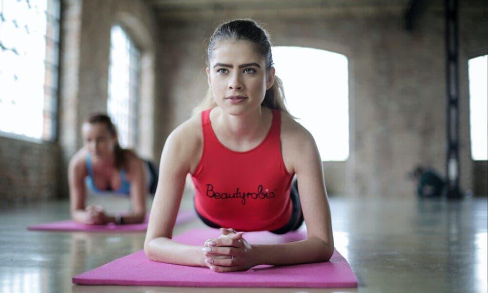 Recomendaciones para hacer planks y fortalecer los músculos de abdomen