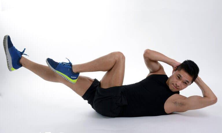 Motivos para dejar de realizar crunches abdominales y proteger tu columna
