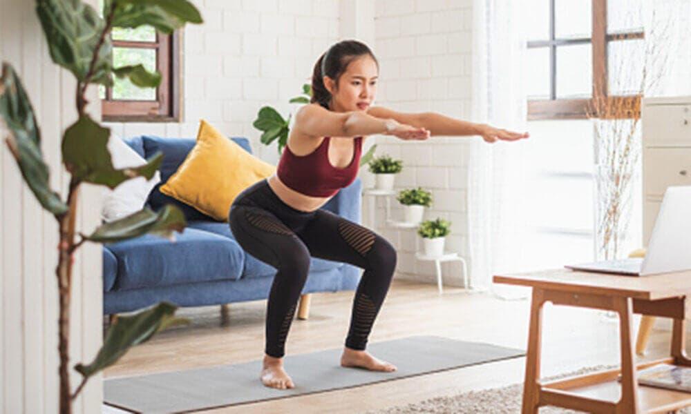 ¿Cuáles son los mejores ejercicios de cuádriceps que puedes hacer en casa sin materiales?