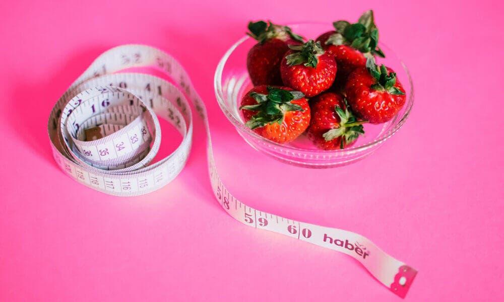 Perder peso, uno de los efectos positivos que le ocurren a tu cuerpo cuando dejas de comer tantos carbohidratos
