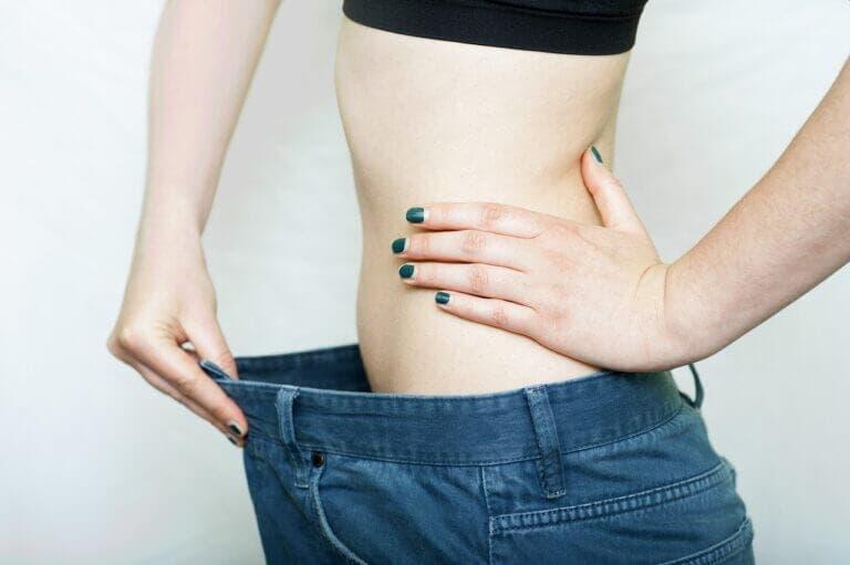 porcentaje de grasa corporal está recomendado en hombres y mujeres