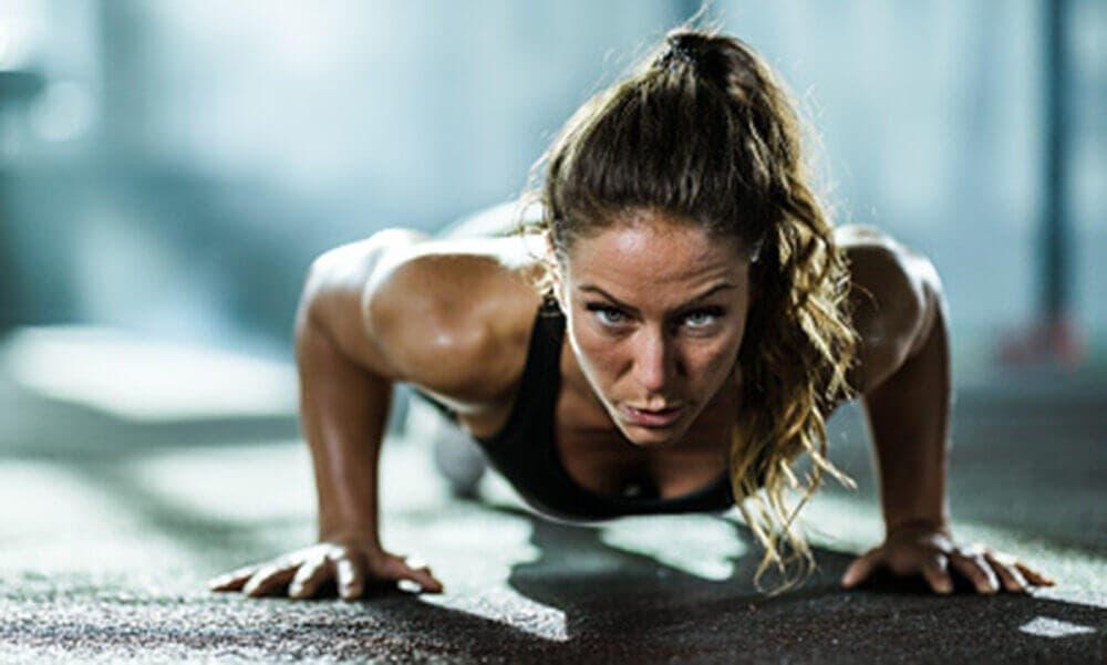 Claves para progresar haciendo flexiones: controlar la respiración