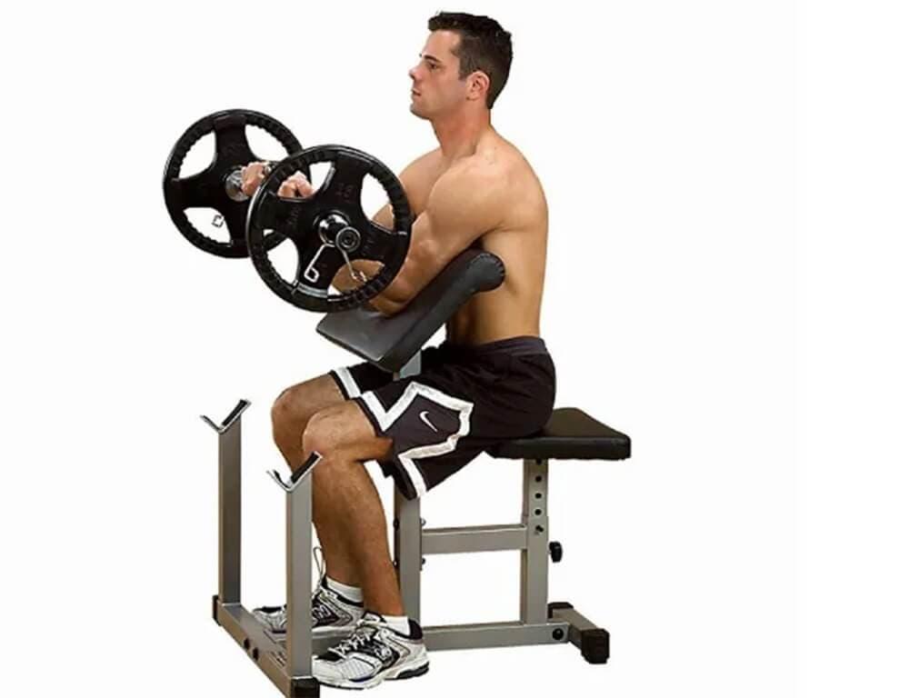 Qué ejercicios con mancuernas y barra para fortalecer bíceps