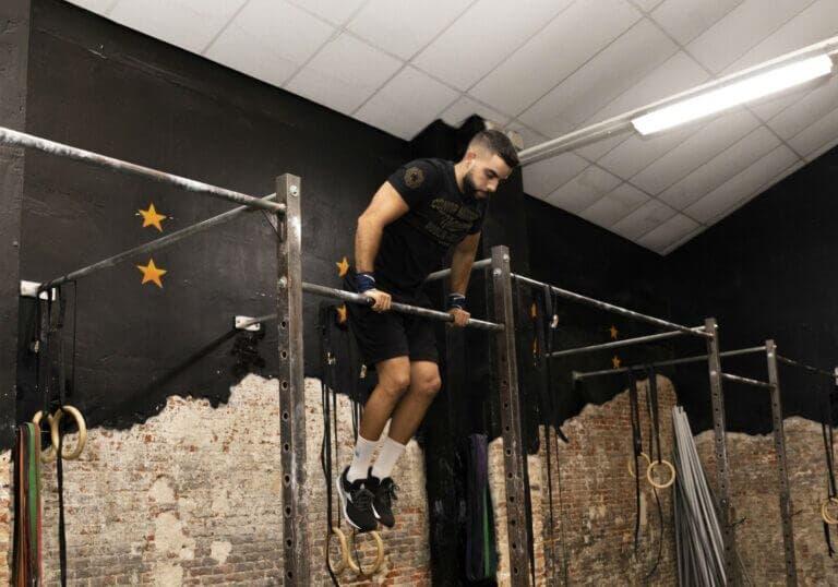ejercicios de calistenia que puedes hacer en el gimnasio