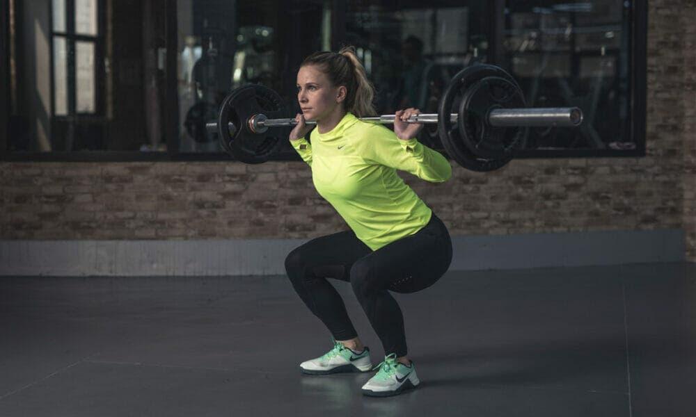 Beneficios de mantener una correcta postura corporal al entrenar