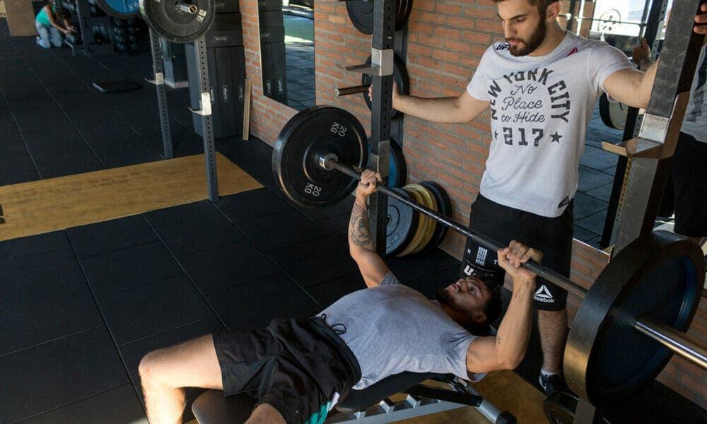 Importancia de no contener la respiración en entrenamientos de alta intensidad