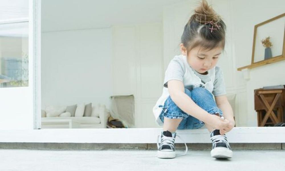 Beneficios de comprar zapatos deportivos para niños en centros especializados
