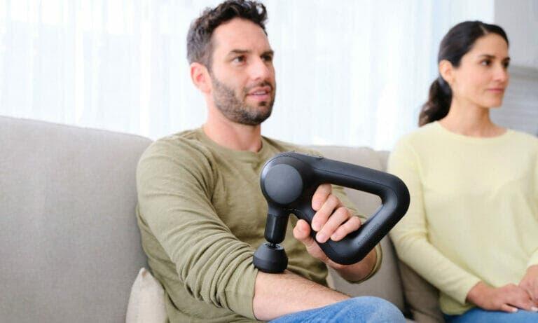 Formas de relajar tu cuerpo con una pistola de masaje muscular