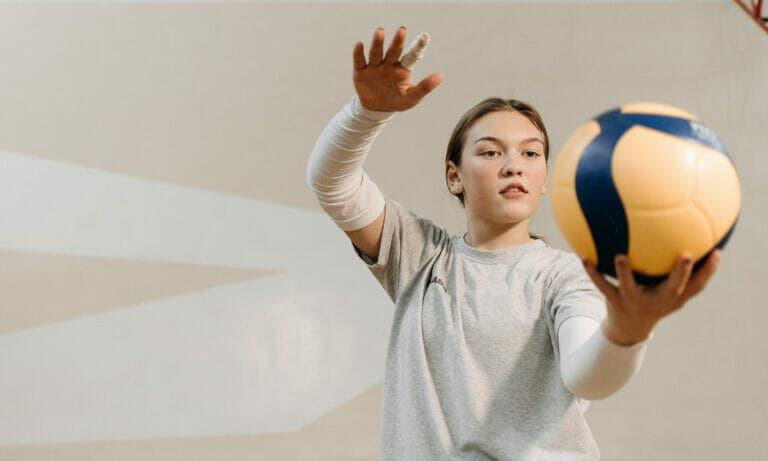 Beneficios de utilizar coderas durante las practicas deportivas