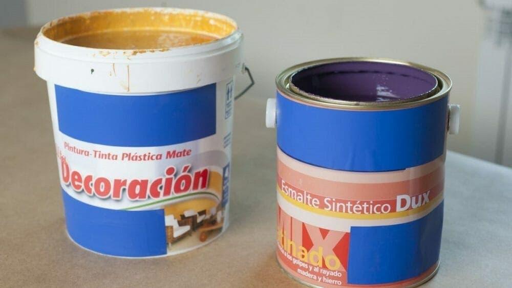 Kettlebell casera con lata de pintura