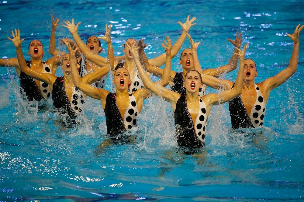 beneficios de la natación sincronizada