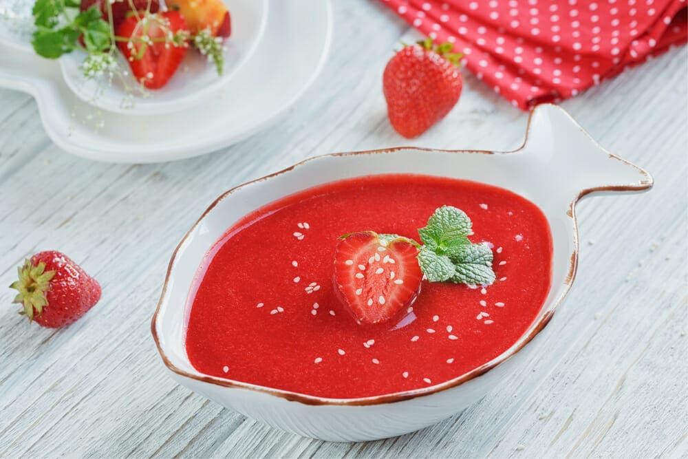cómo preparar gazpacho de fresa